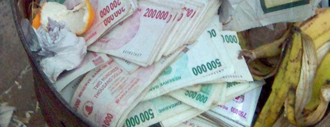 pérdida de valor del dinero por la hiperinflación